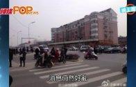(粵)雙槍客挾持人質  安徽網吧爆槍戰