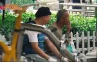 笠頭賊Bob周街問人借錢  ˝香港人都幾有同情心˝