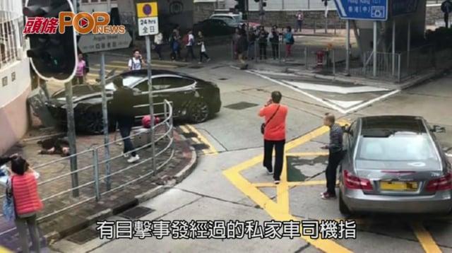亞皆老街Tesla疑衝燈撞車 剷行人路3途人受傷