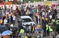 示威者青衣包圍座駕 聶德權否認曾致電報警